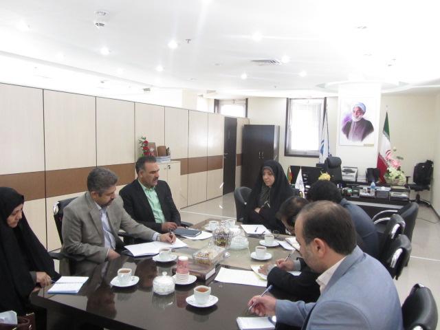 جلسه معاون استاندار با شهرداربيرجند درخصوص دفاتر پيشخوان